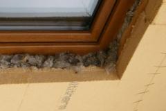 lana de oaie pe anga geamuri